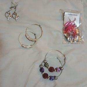 4 pairs of new earrings